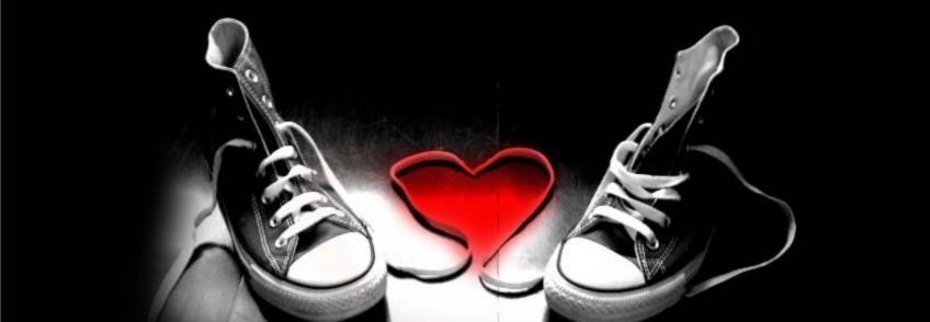 ayakkabı bağlarından kalp kapak fotoğrafları