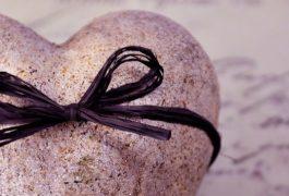 taştan kalp kapak fotoğrafları